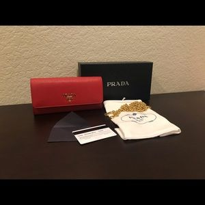 Sold. Prada saffiano wallet on chain woc